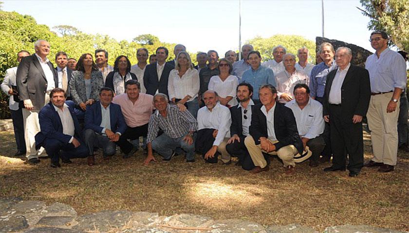 Legisladores uruguayos y argentinos se reunieron en la Isla Martín García
