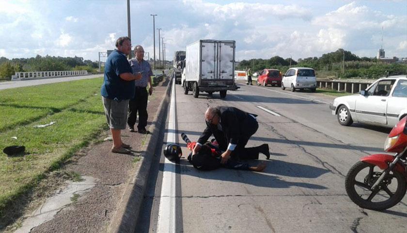 Carámbula asistió a un motociclista herido en ruta 5