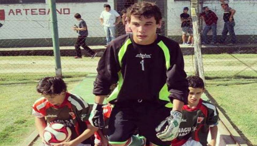 Sigue el movimiento de pases en el fútbol de Cardona