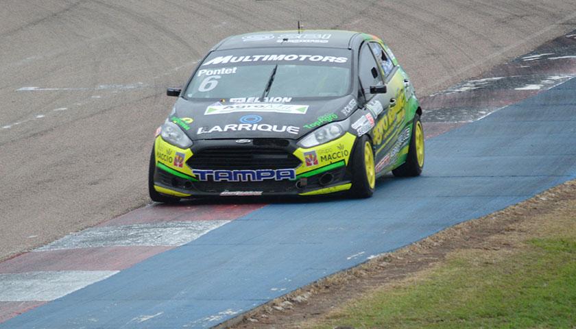 Automovilismo en el Polideportivo Mercedes Soriano