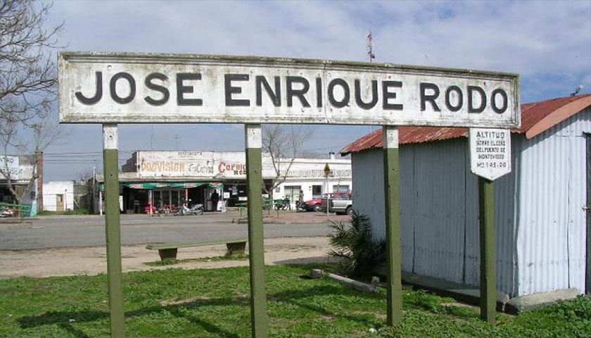 Exelente trabajo y mantenimiento del Parque los 33 Orientales de Rodó Soriano Uruguay
