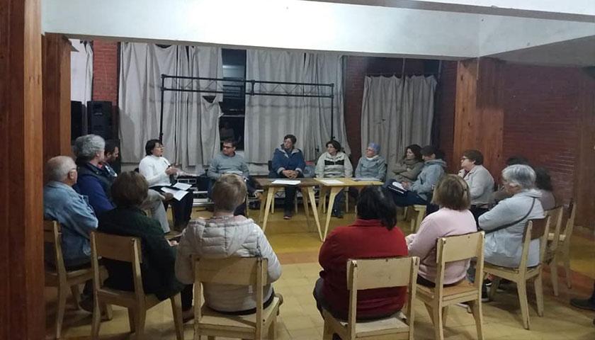 En el día de ayer, vecinos de las Mesas de Participación Ciudadana Centro y La Lata se reunieron con los Concejales del Municipio de Cardona