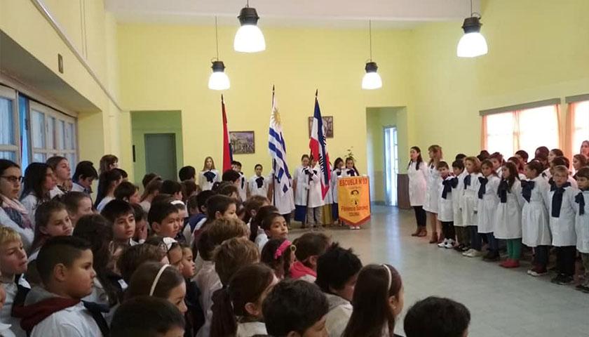 Escuela NRO 93 de Florencio Sánchez Colonia.Acto 19 de Junio