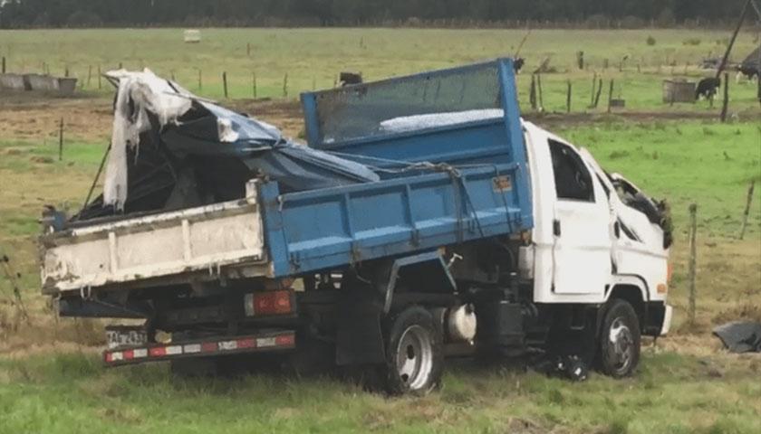 Otro camión volcó en la ruta 23; tres heridos