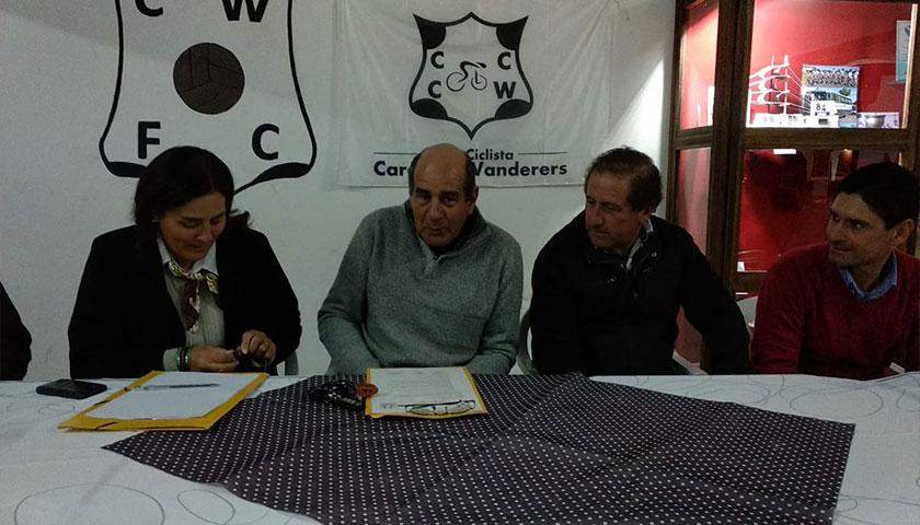 Reunión del Club Ciclista Wanderers de Cardona, con Invitado más que especial el Sr Federico Moreira