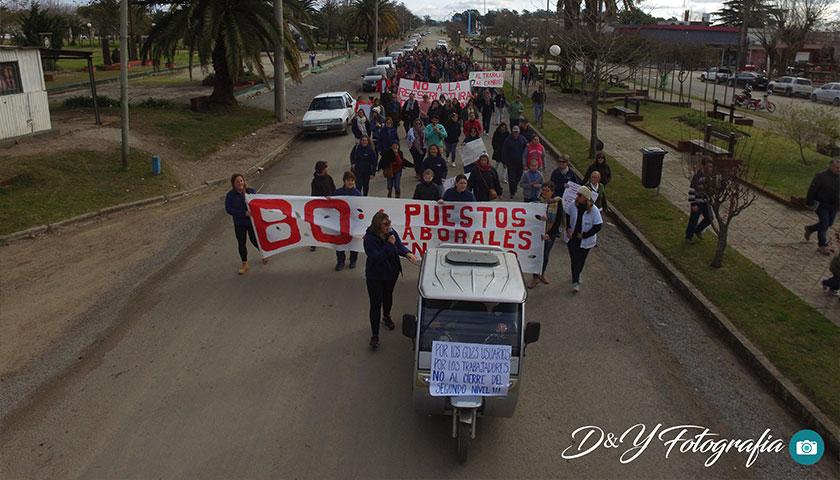 Manifestación en Mercedes Soriano Uruguay de Usuarios y Funcionarios de Cams Cardona VIDEO