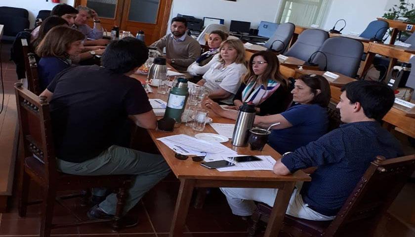 Presidente de la Junta Dptal de Soriano Damián De Oliveira en importante reunión