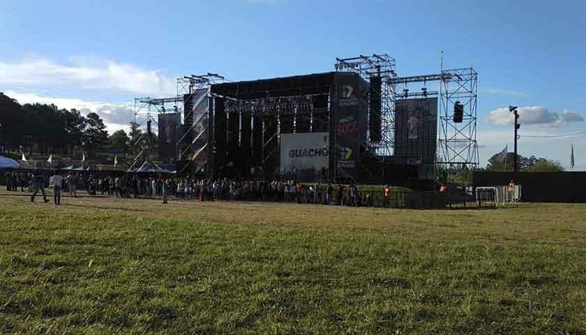 Recién arrancando el #DuraznoRock2018 en el #ParqueDeLaHidpanidad