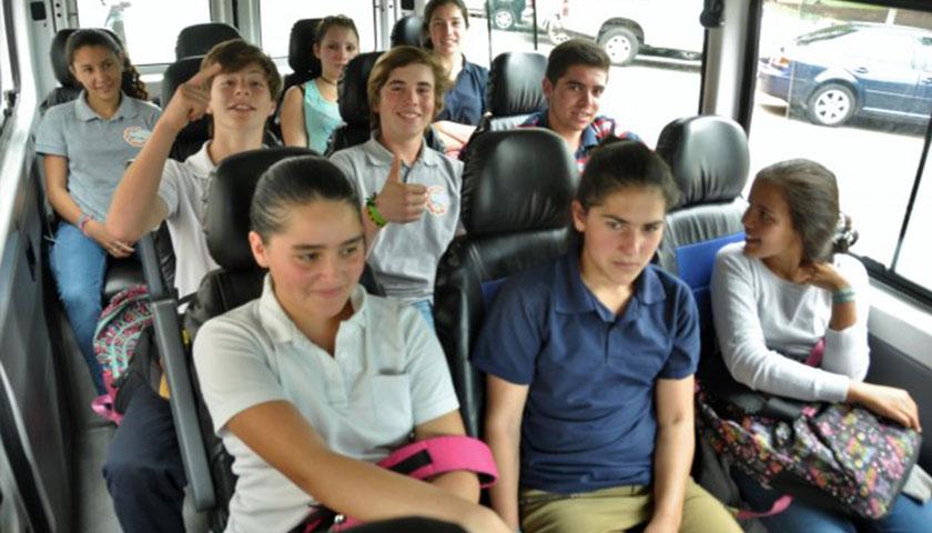 Servicio de Transporte Estudiantil de la Intendencia de Soriano beneficia a 1.378 estudiantes