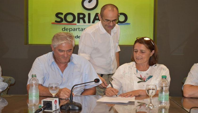 Maria Fajardo asumió como intendente de Soriano