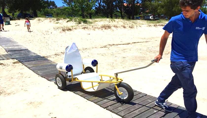 Sillas anfibias se estrenan hoy en playas de Colonia como parte de la política inclusiva de la intendencia