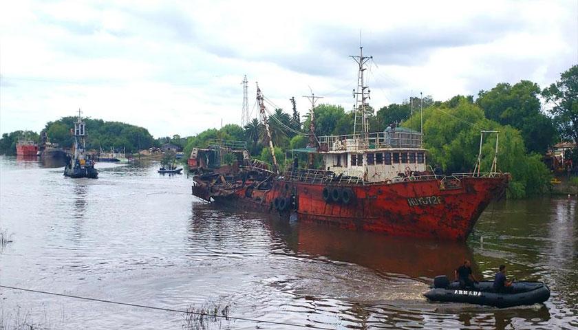 Sacaron con éxito segundo barco que provocó desastre del 15 de diciembre en Carmelo