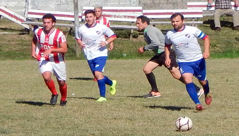 Nacional ganó y lidera en el fútbol de Cardona