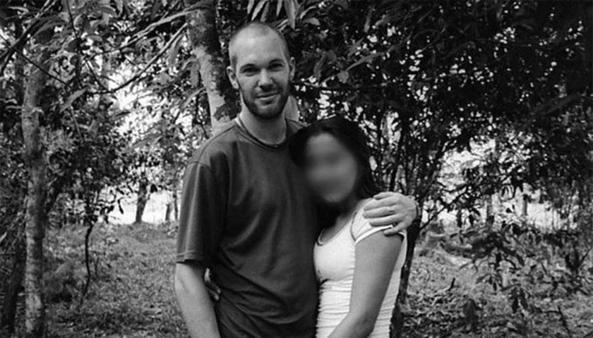 Amor y horror. El fotógrafo británico que viajó a Colombia a cubrir el conflicto armado y se enamoró de una asesina