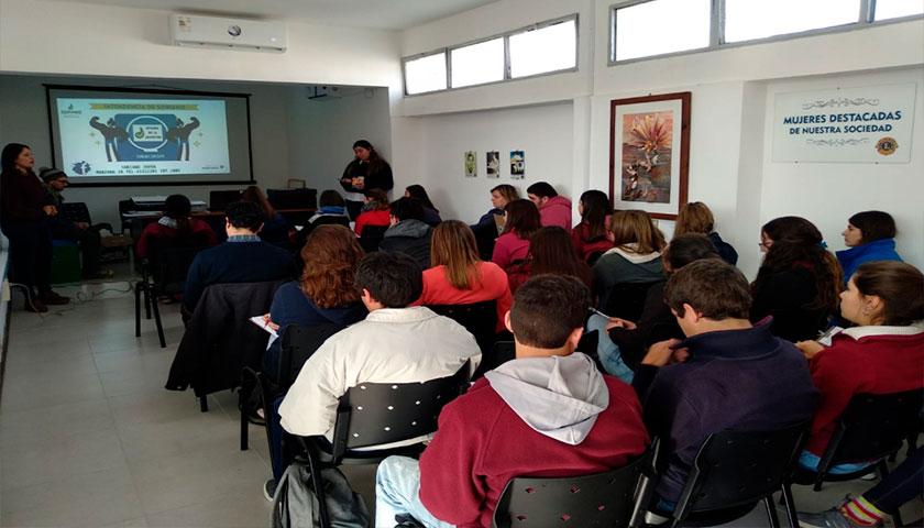 Se realizaron en Cardona talleres de orientación voacional para jóvenes