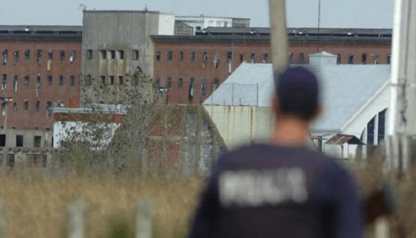 Presos se amotinaron en el Penal de Libertad