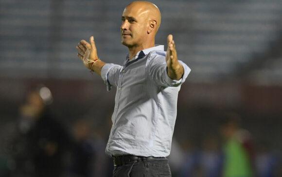 Plaza Colonia: Vuelve Espinel, el técnico campeón