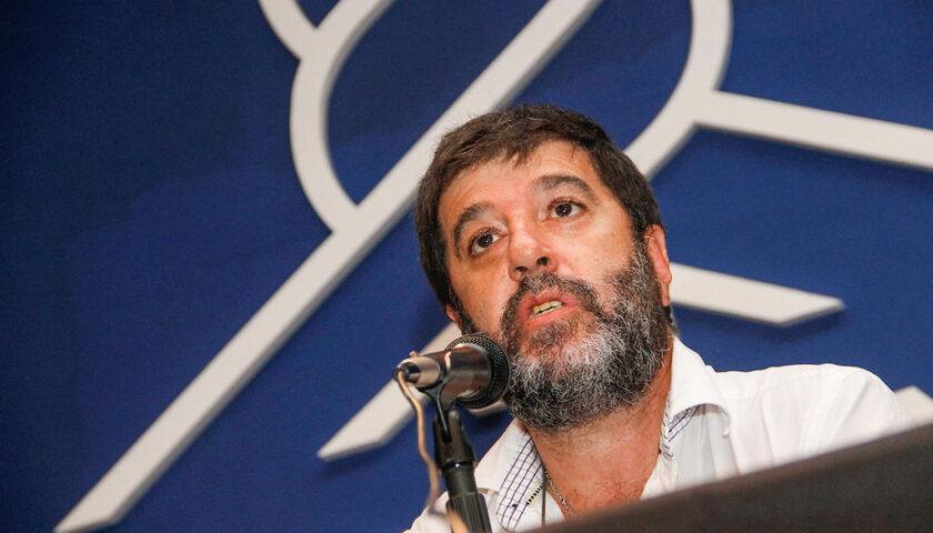 """Da Silva acusó a Pereira de cumplir """"bodas de plata en no marcar tarjeta"""" y él le contestó"""