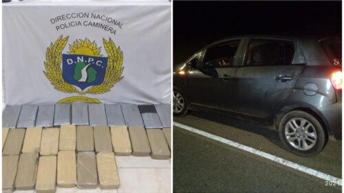 Caminera interceptó vehículo que transportaba 27 ladrillos de droga
