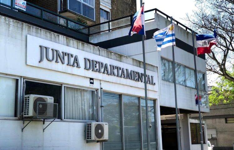 Junta no encuentra solución al «reintegro de gastos», y no logra cerrar su presupuesto