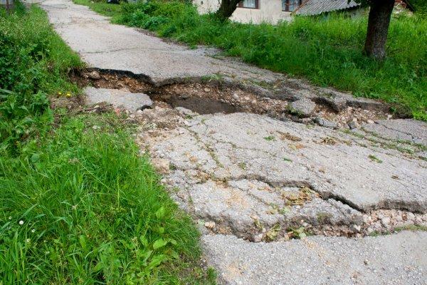 Edil Tatiana Loitey planteó mejoras en camino y construcción de puente.